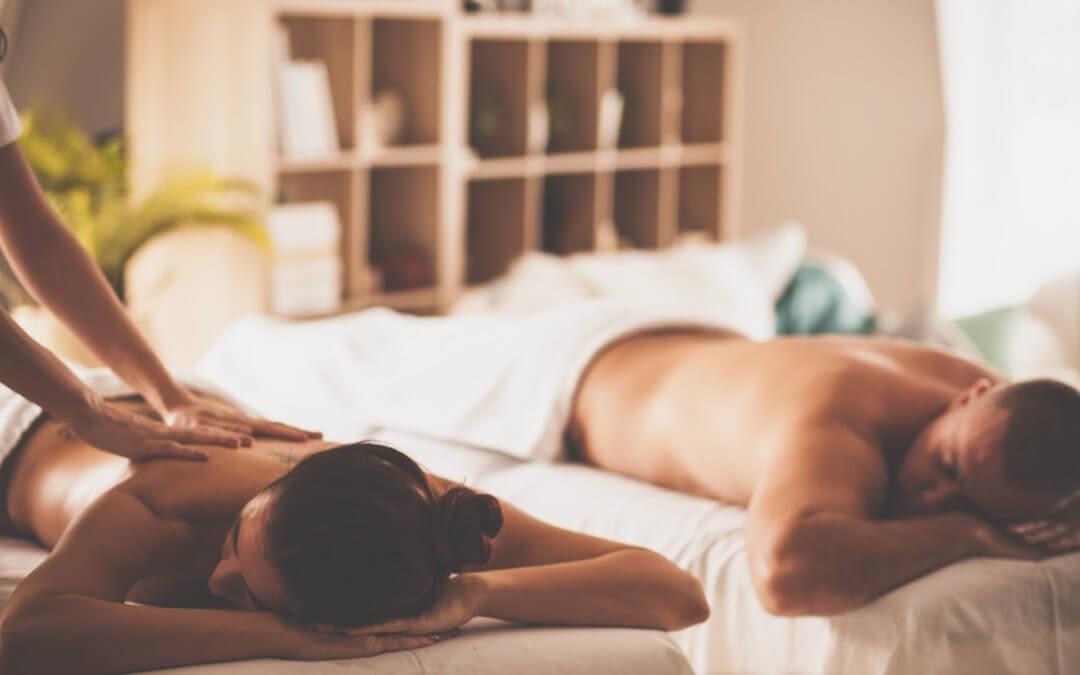 Liebe geht über Berührung: Was Paarmassagen und Partnermassagen so wirkungsvoll macht